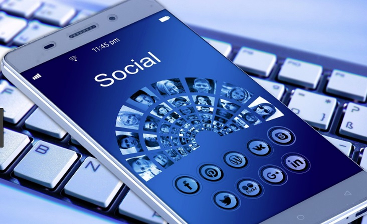 Being visible on social media makes it easier to earn online.